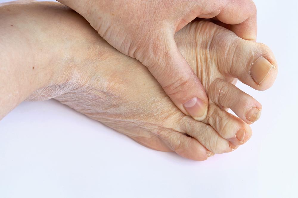 El cuidado de los pies es fundamental en los mayores