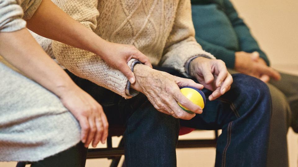 Caídas en ancianos: causas y prevención